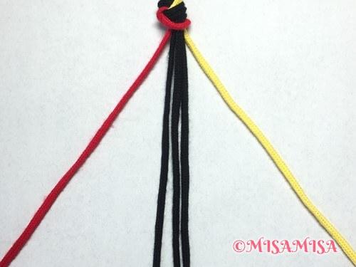 ねじり結び(ねじり編み)ミサンガの作り方手順2