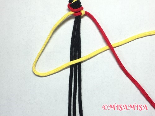 ねじり結び(ねじり編み)ミサンガの作り方手順6