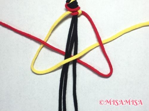 ねじり結び(ねじり編み)ミサンガの作り方手順7