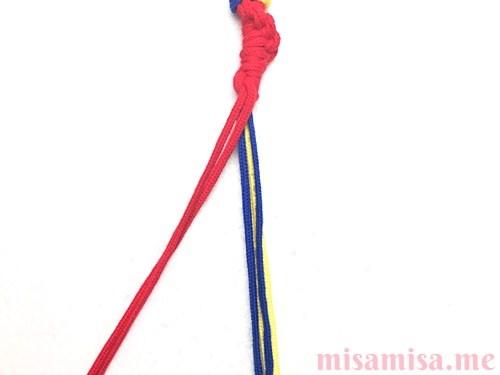 輪結びミサンガの作り方手順9
