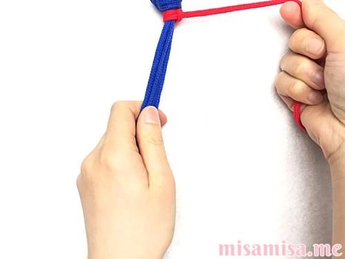 タッチング結びミサンガの作り方手順8