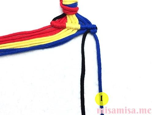 縦ストライプ模様ミサンガの作り方手順31