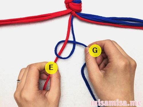 渦巻き模様ミサンガの作り方手順12