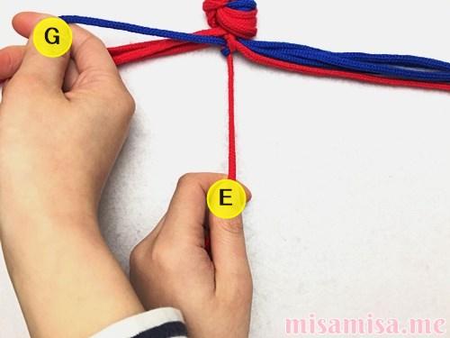 渦巻き模様ミサンガの作り方手順13