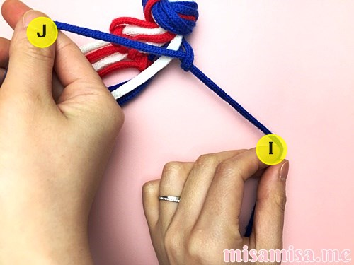星条旗(アメリカ国旗)柄ミサンガの作り方手順35